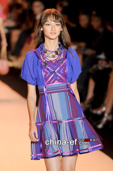2015 t台 连衣裙