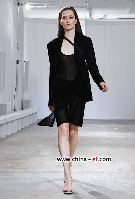 欧美时尚模特教你将白色穿出特色